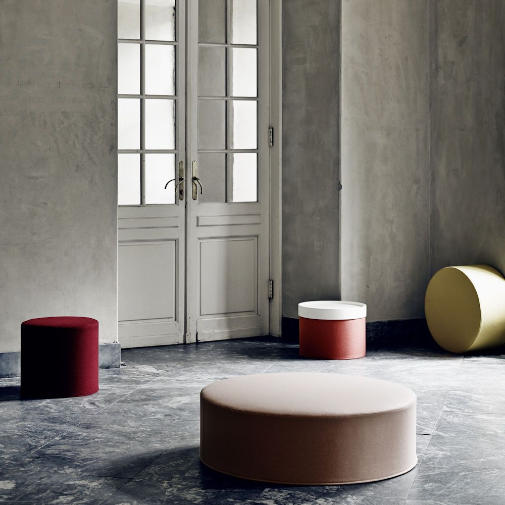 Pouf et table basse la fois drums caray eshop for Table basse et haute a la fois