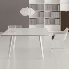 Square meeting tables E-PLACE